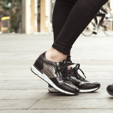 Shoes and Fashion De Panne